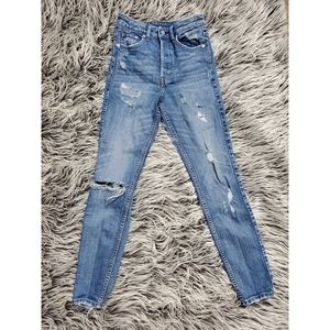 H&M DISTRESSED HIGH WAISTED JEANS